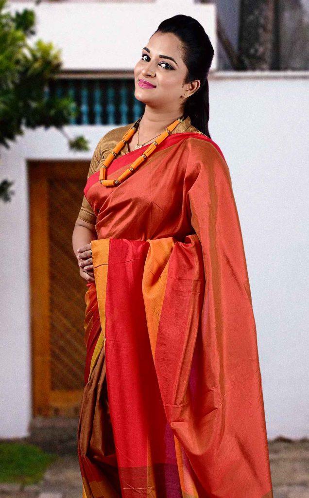 modern working women special simple saree